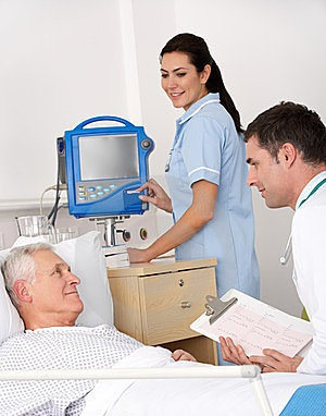 пациент и доктор в больнице